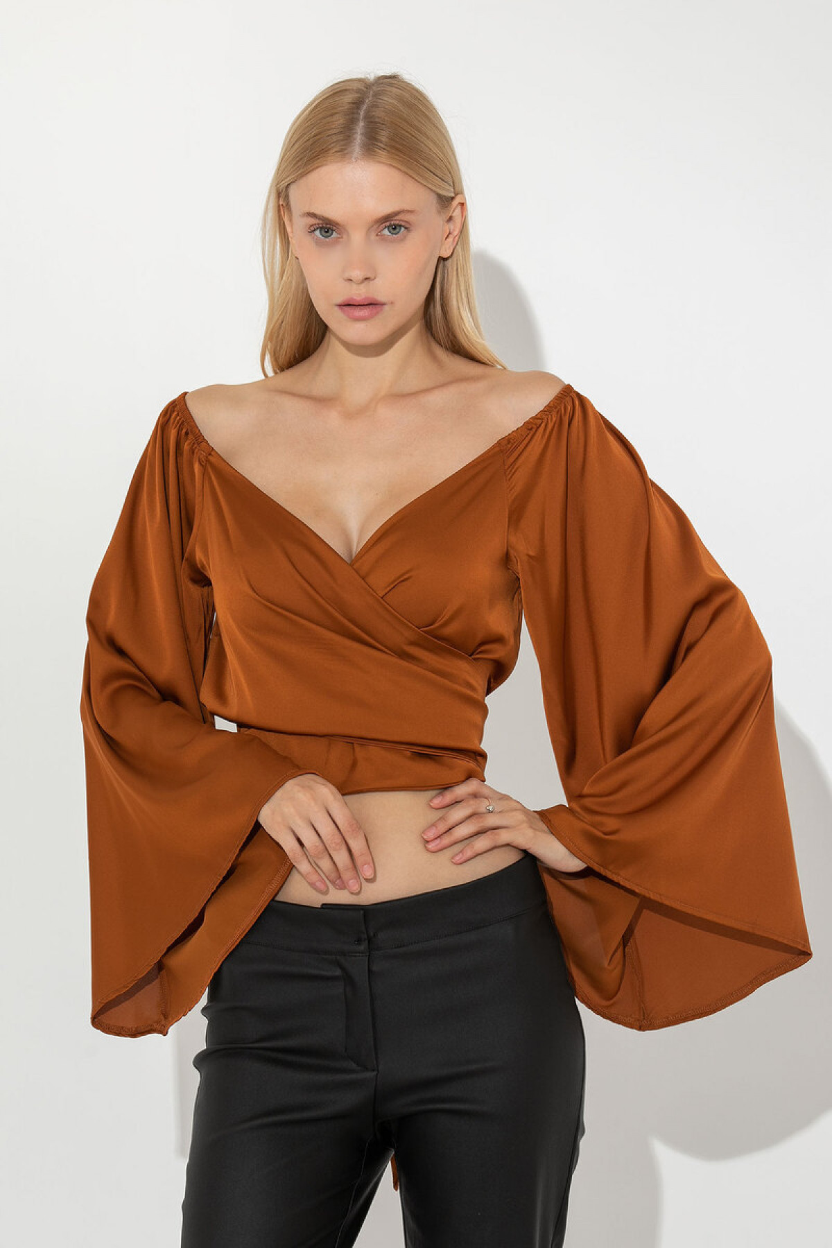 CARAMEL SATIN CROP TOP