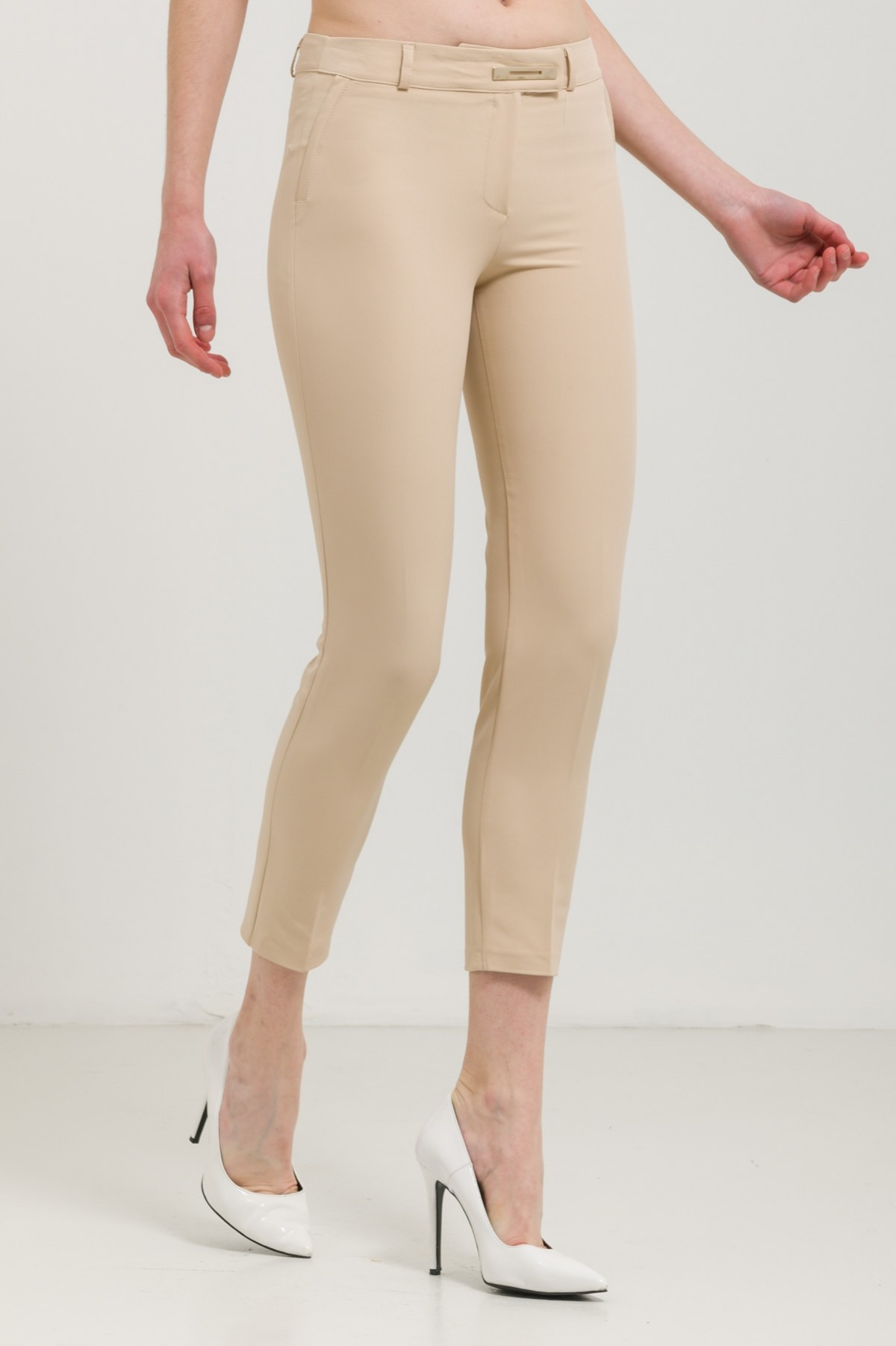 CIGARETTE TROUSERS WITH BUCKLE-beige