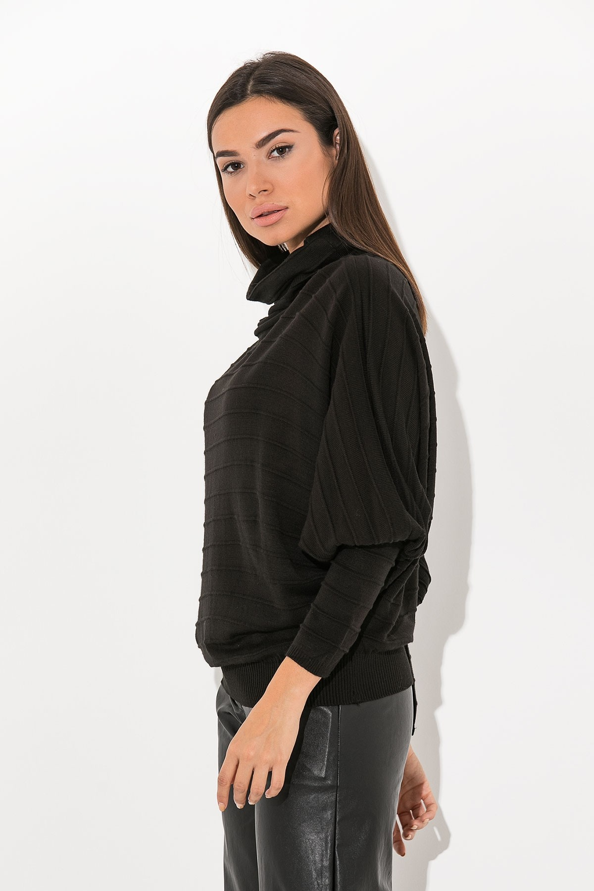 BLACK BASIC COWL TURTLENECK BLOUSE