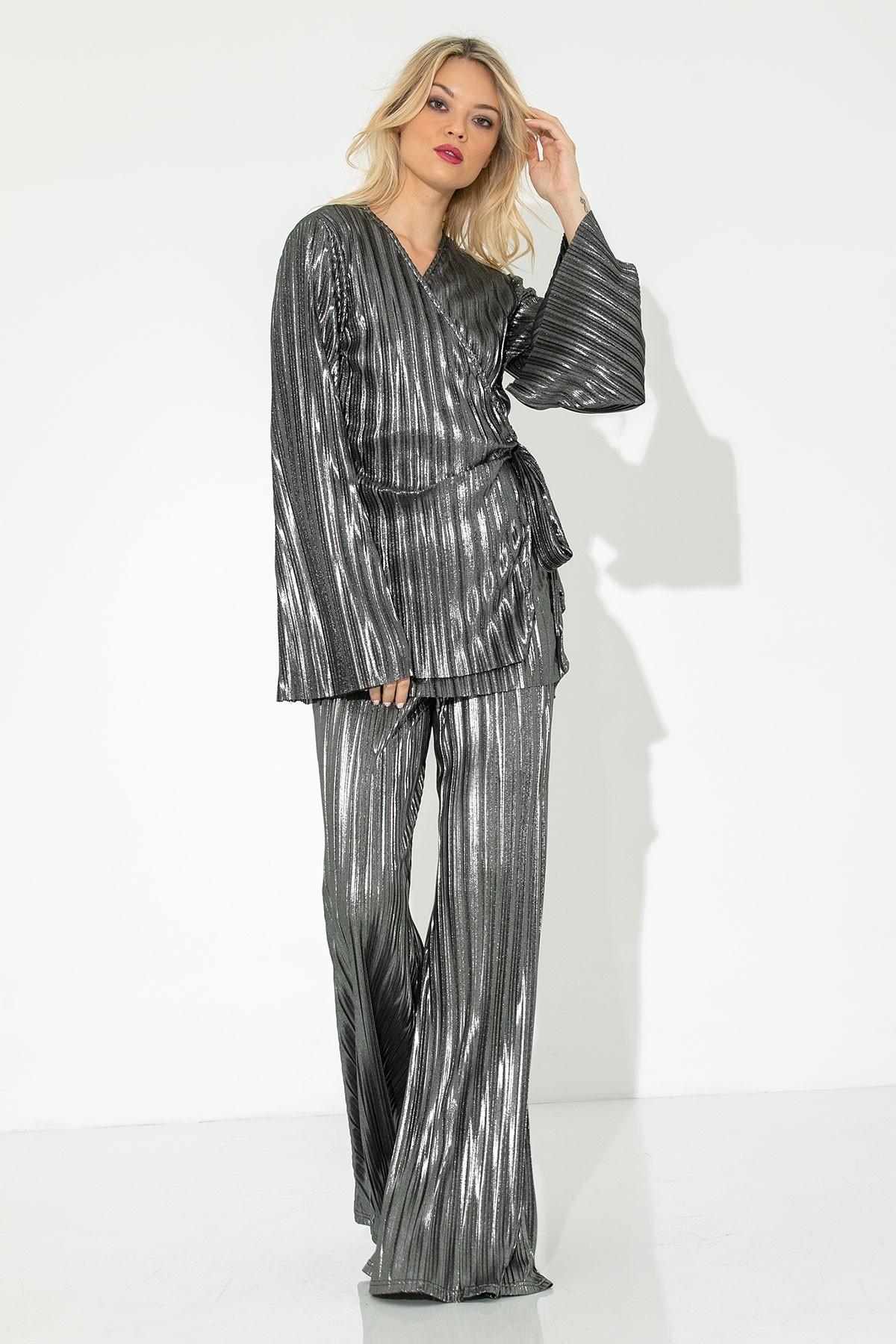 SILVER METALLIC PLEATED WIDE LEG TROUSERS