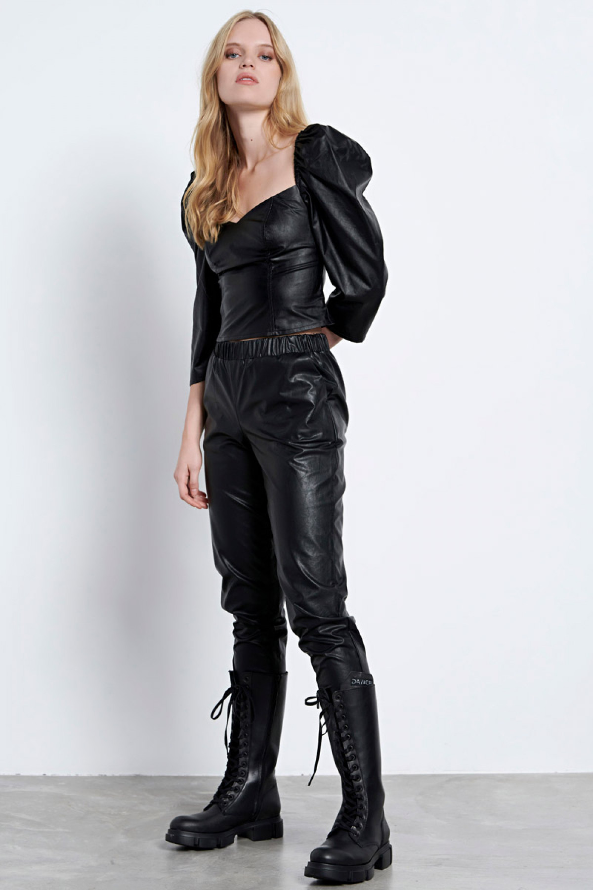 LEATHER TOP BLACK