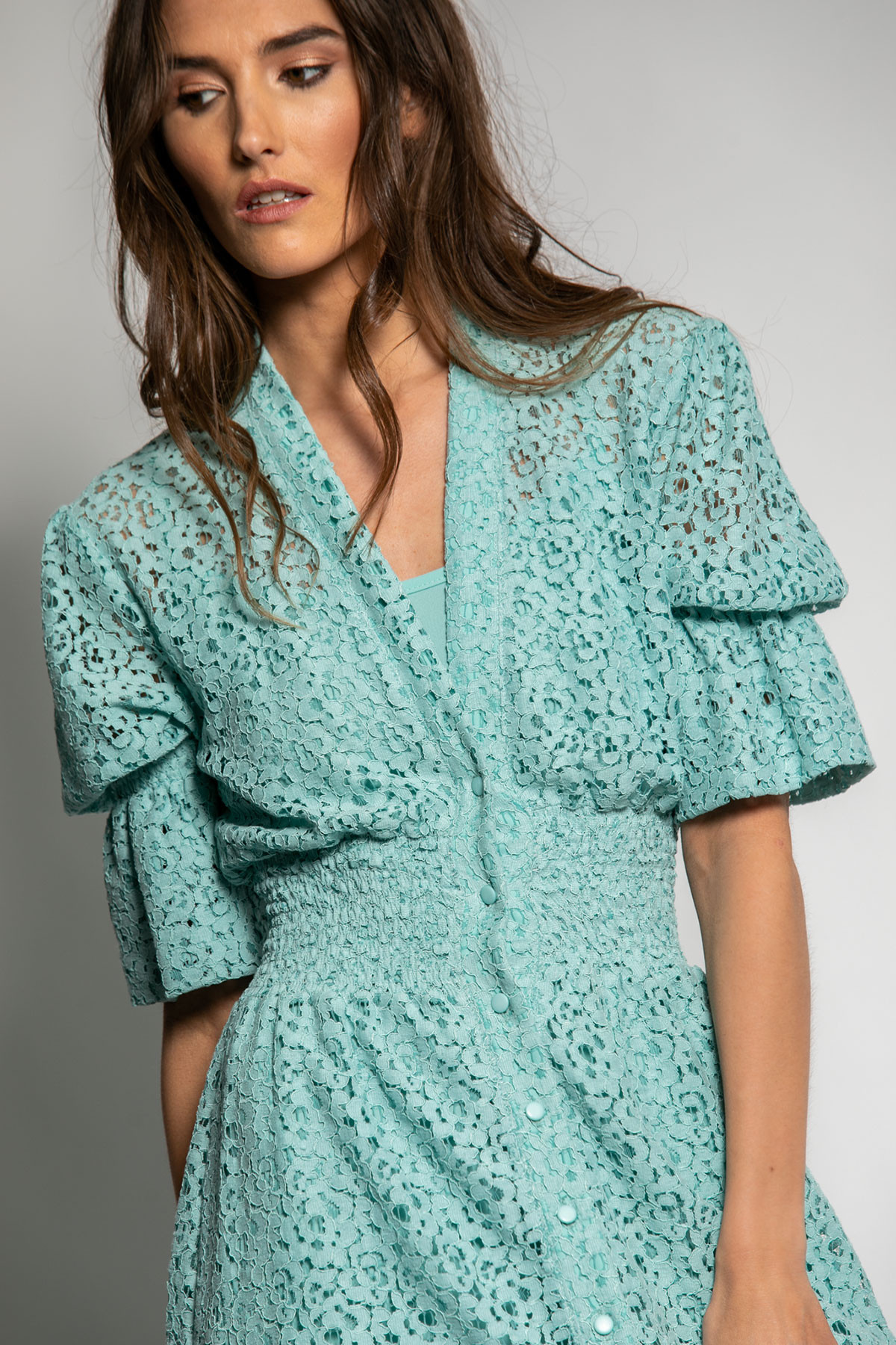 MAXI LACE DRESS WITH BUTTONS - mint
