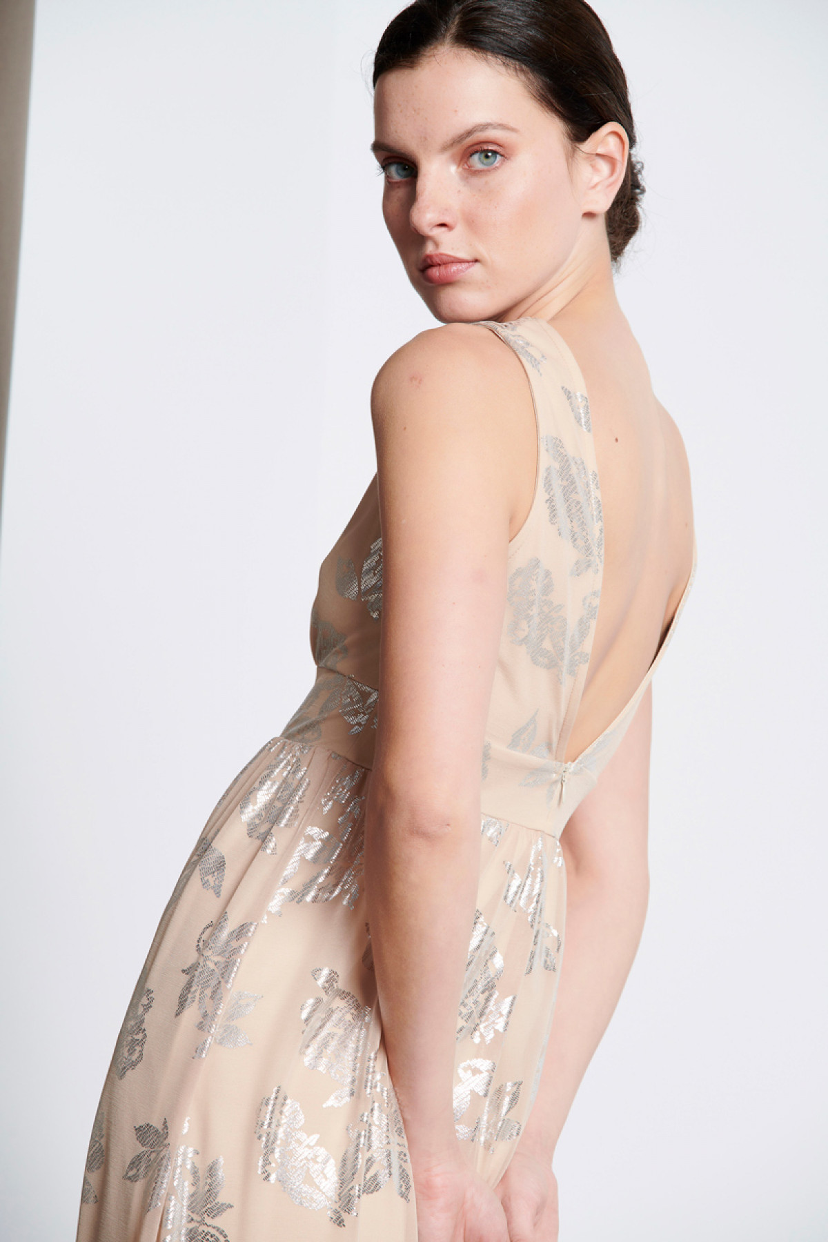 NUDE LONG OCCASION DRESS WITH SILVER PRINT