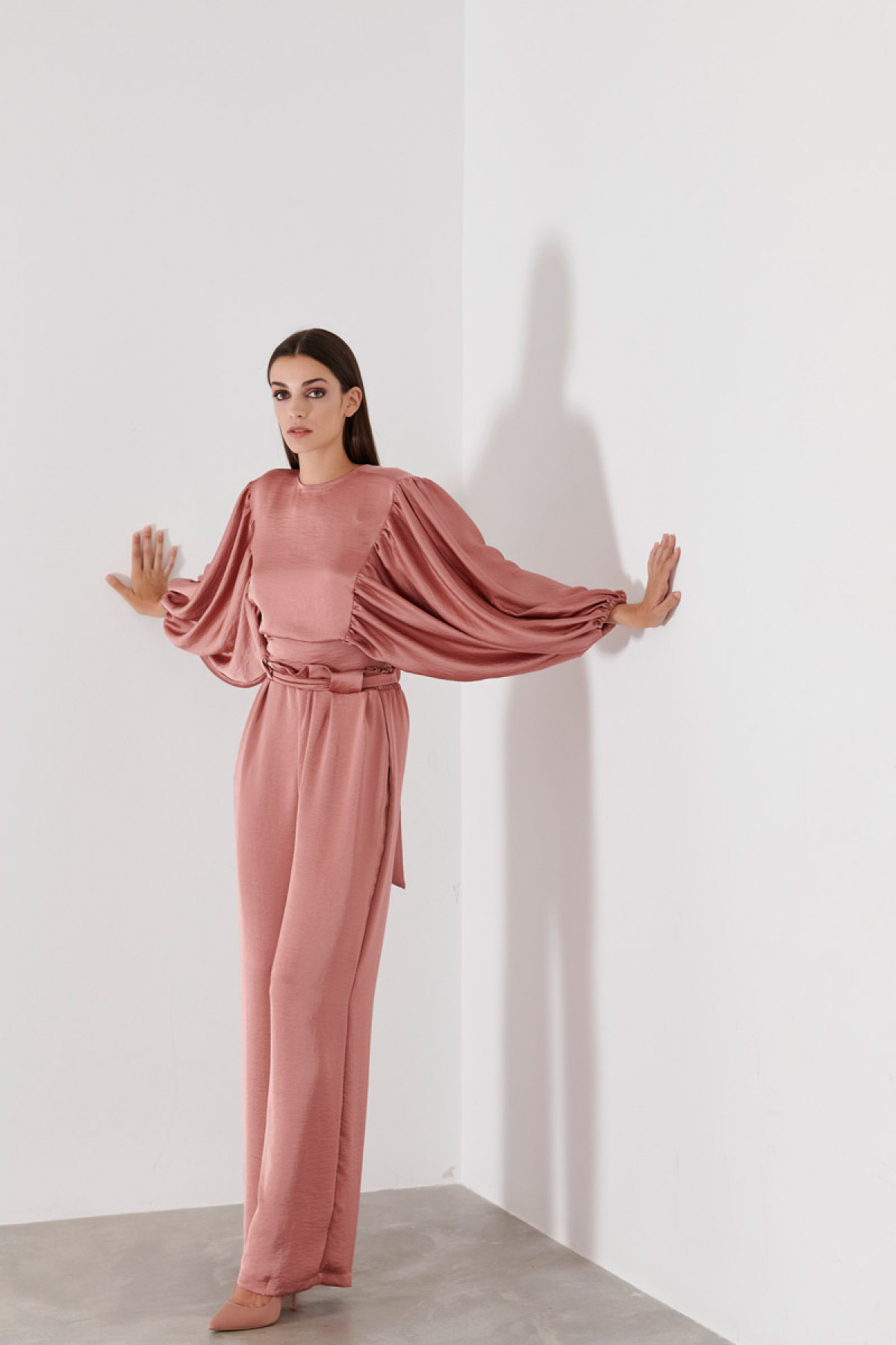 HIGH WAIST SATIN TROUSERS IN PINK