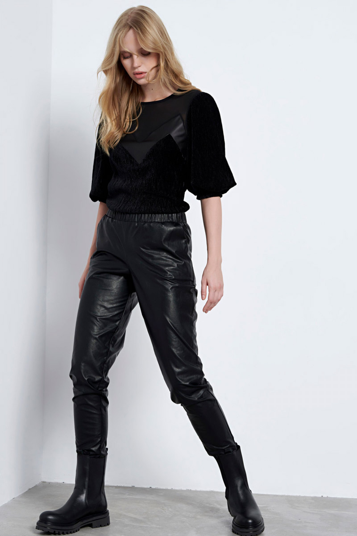 BLACK ECO LEATHER TROUSERS