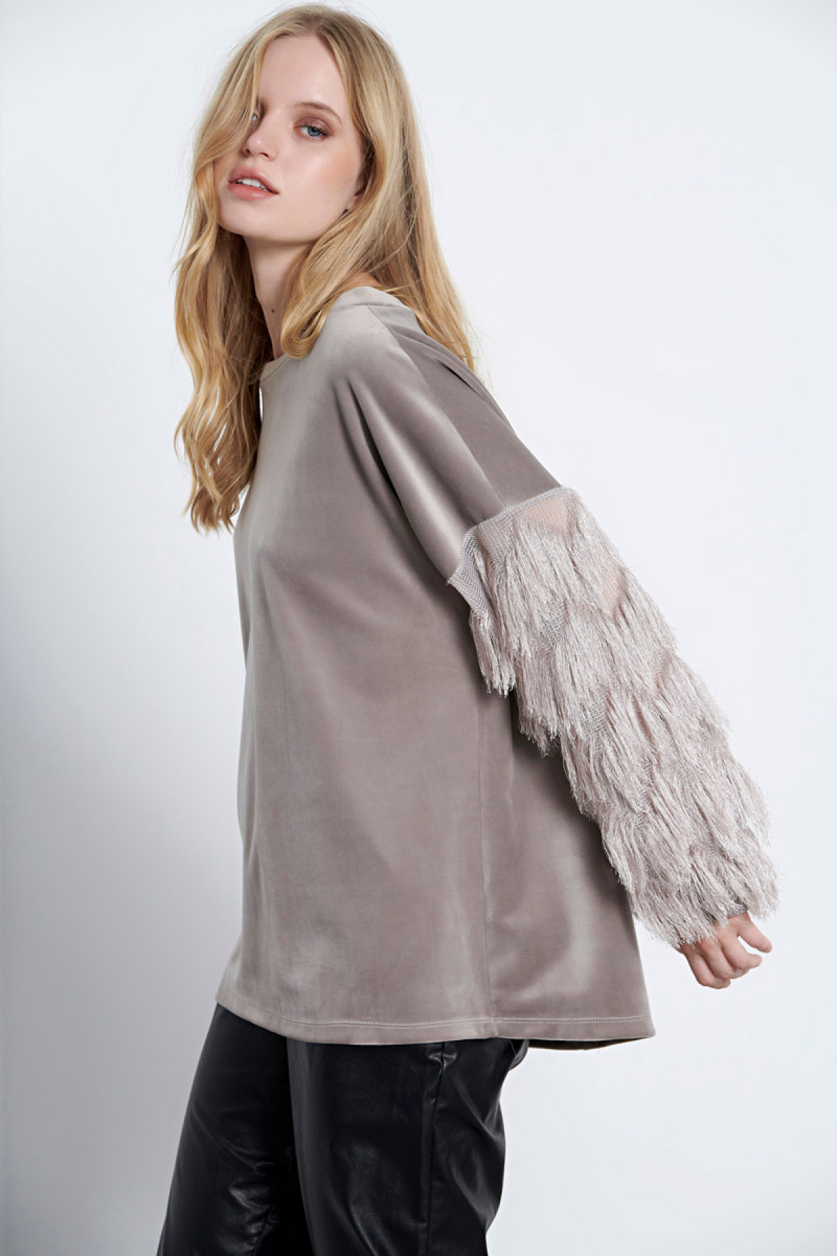 GRAY VELVET TOP WITH FRINGED SLEEVES