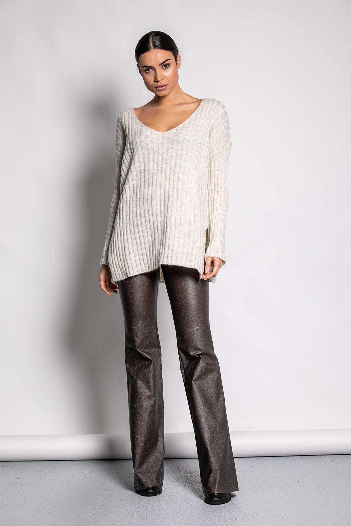 BEIGE WIDE RIBBED KNIT BLOUSE