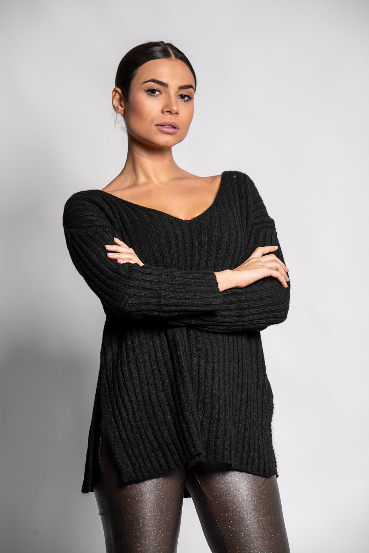 BLACK WIDE RIBBED KNIT BLOUSE