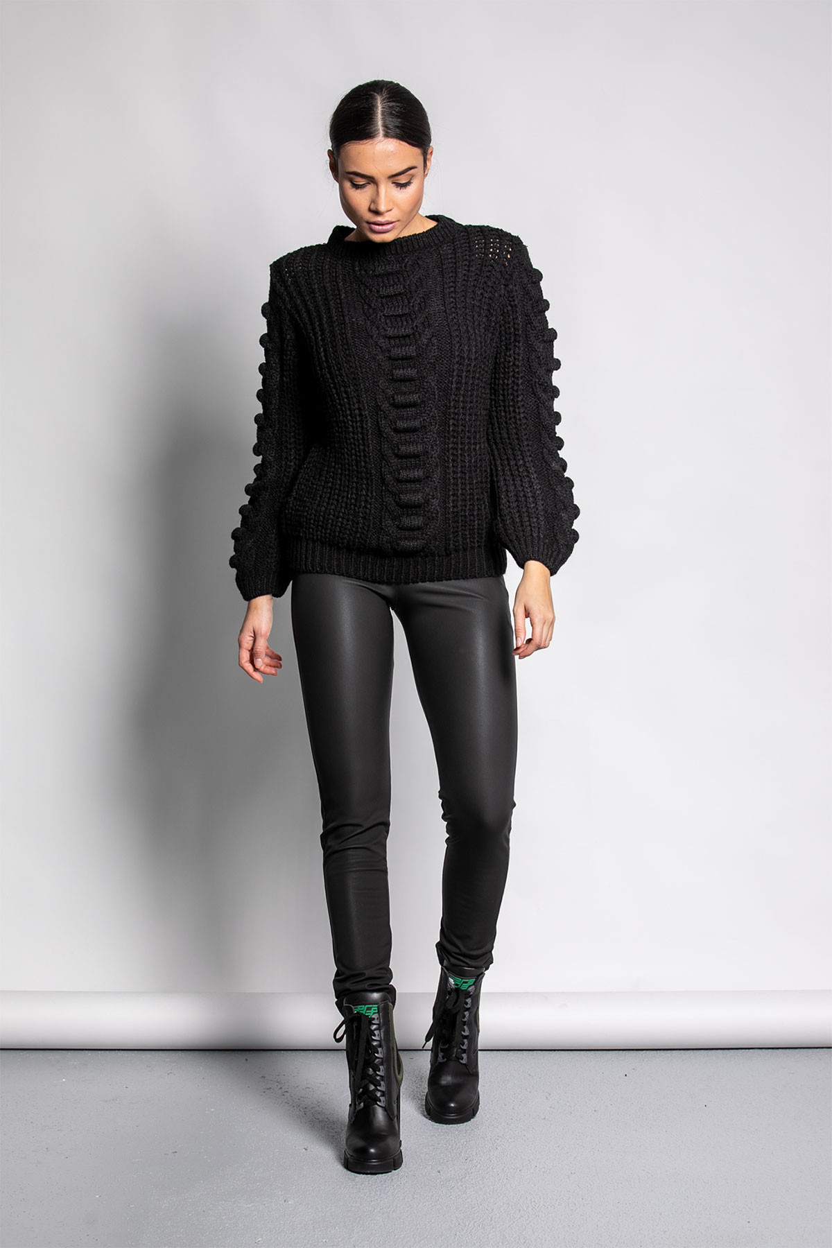 BLACK SOFT KNITTED BLOUSE