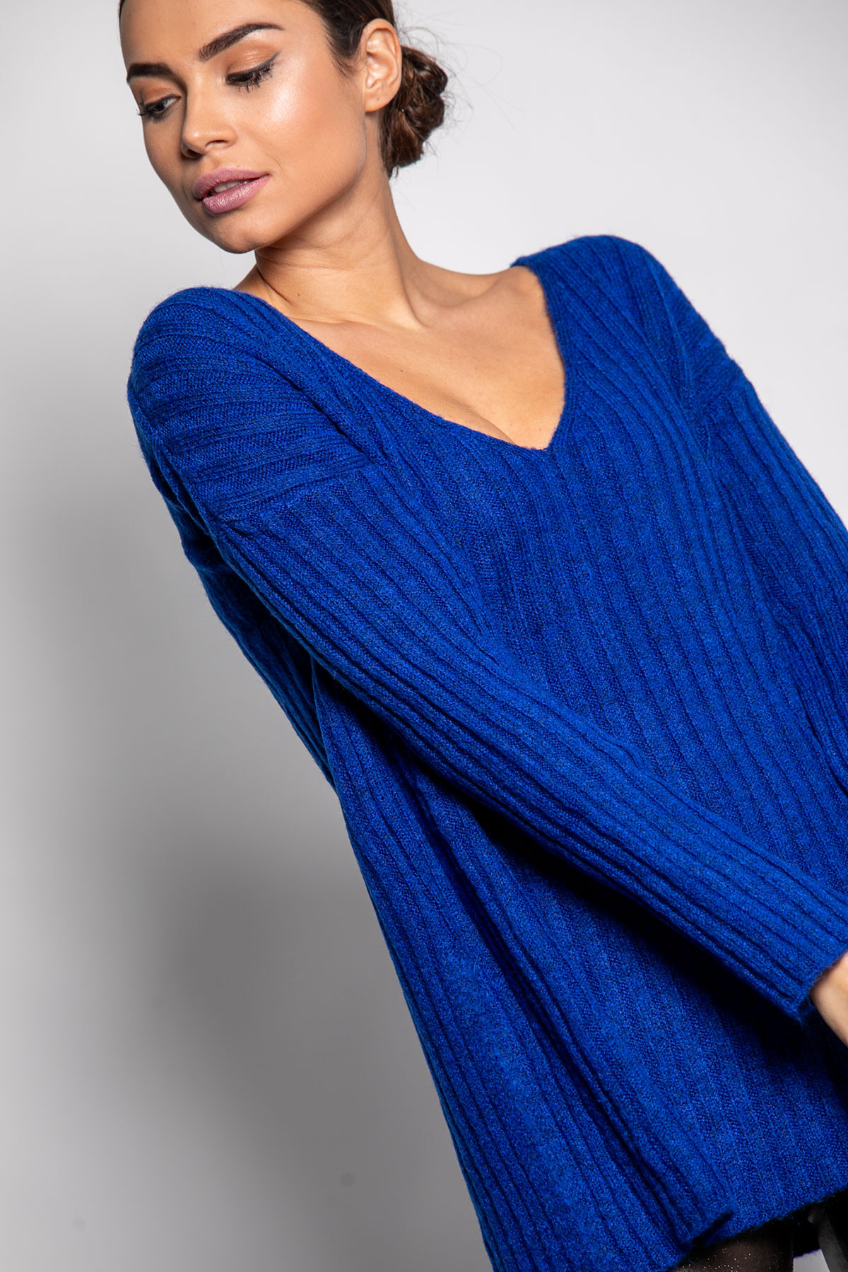 BLUE WIDE RIBBED KNIT BLOUSE