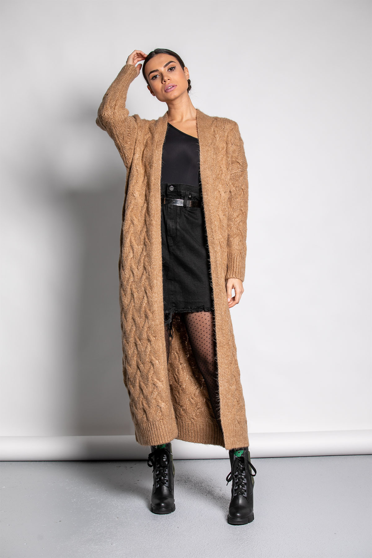 CARAMEL LONG CABLE CARDIGAN