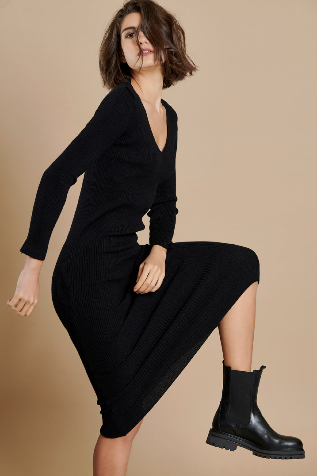 LONG RIBBED KNIT DRESS BLACK