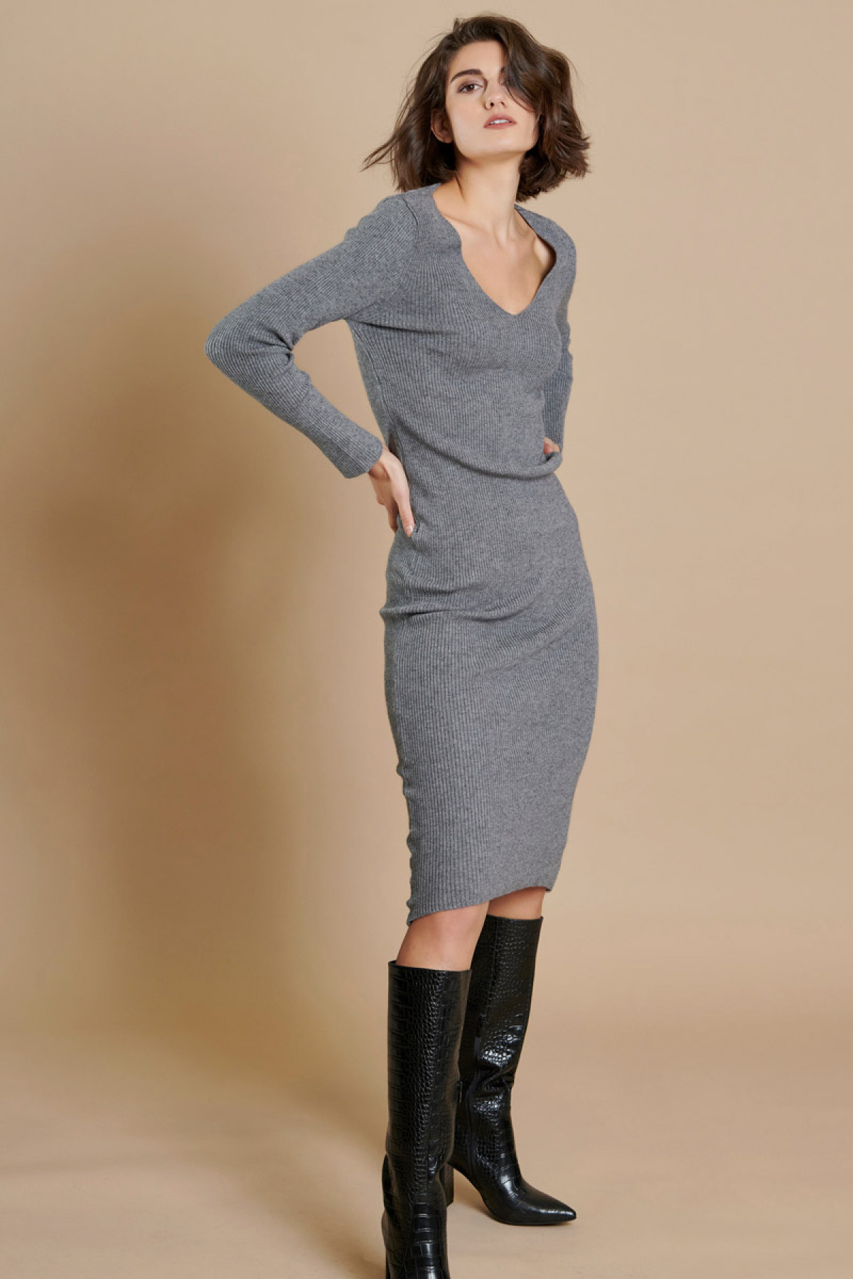 LONG RIBBED KNIT DRESS GRAY