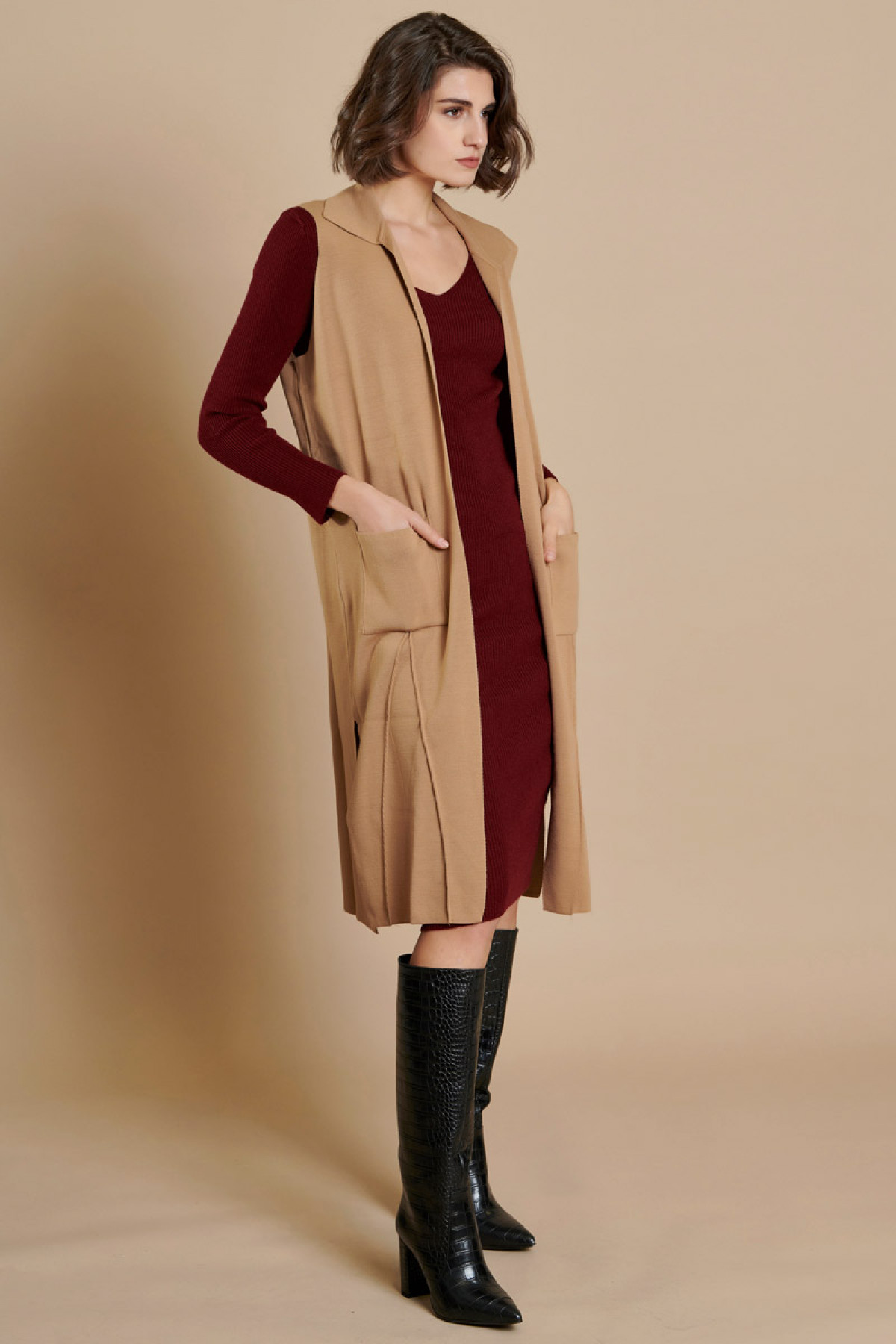 LONG SLEEVELESS KNIT CARDIGAN CAMEL