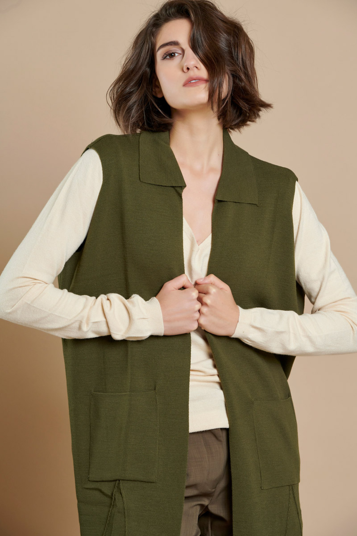 LONG SLEEVELESS KNIT CARDIGAN OLIVE GREEN