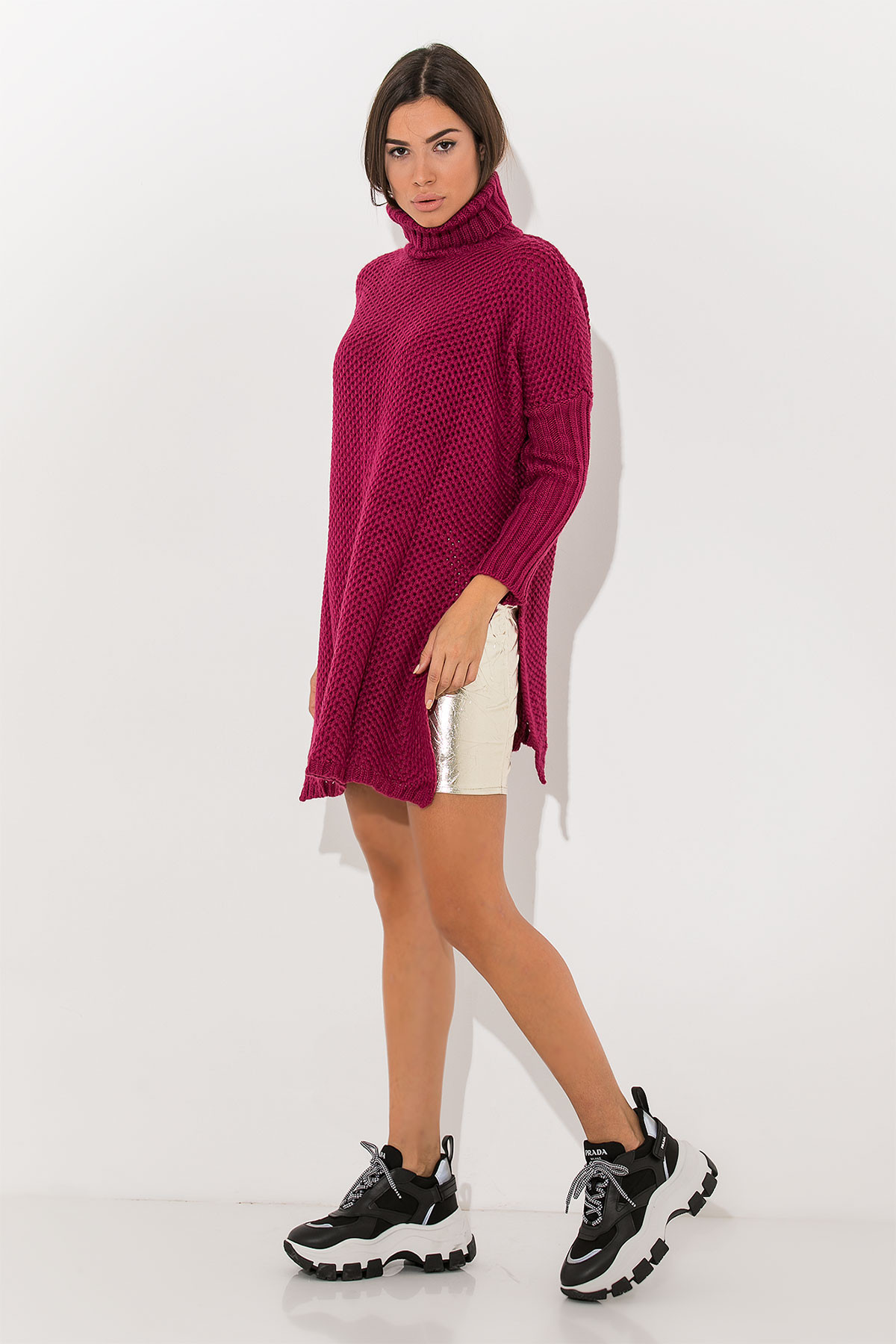 MAGENTA LONG TURTLENECK OVERSIZED SWEATER