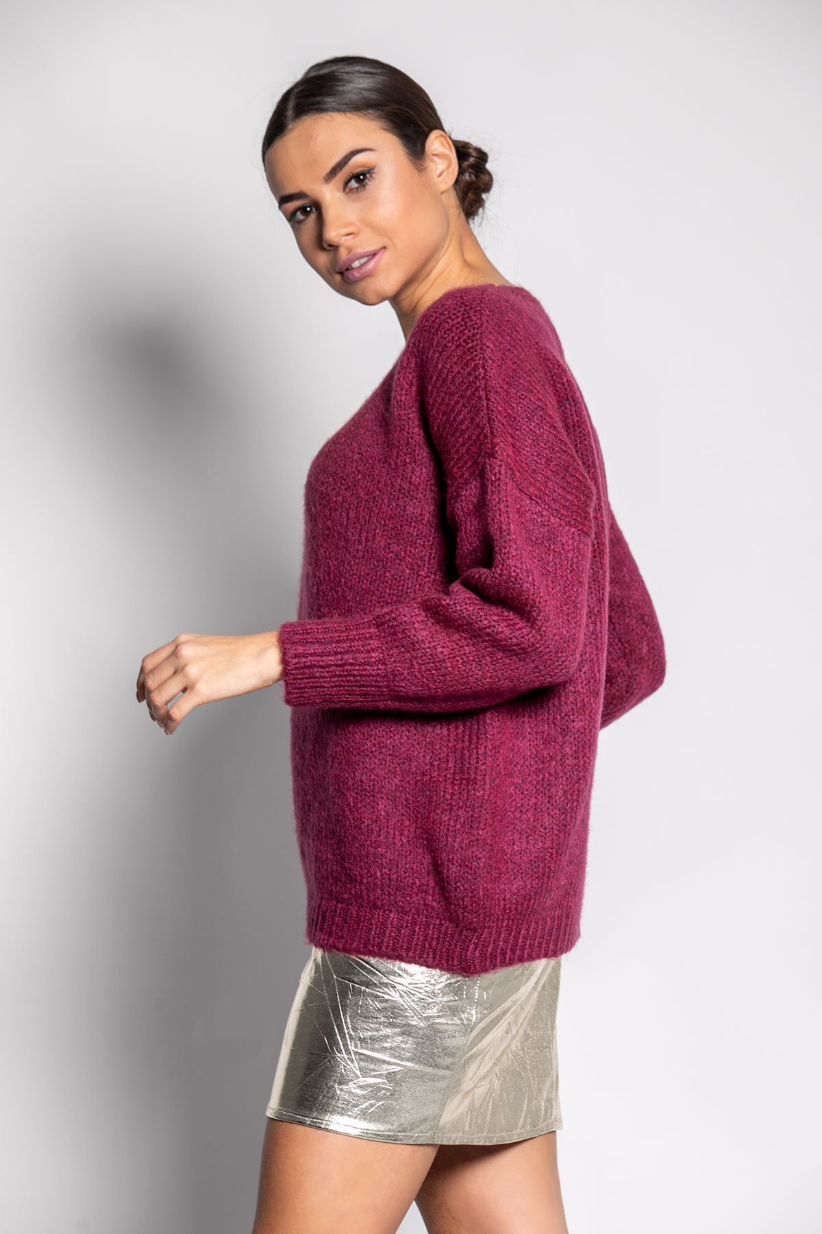 MAGENTA V-NECK CHUNKY SWEATER