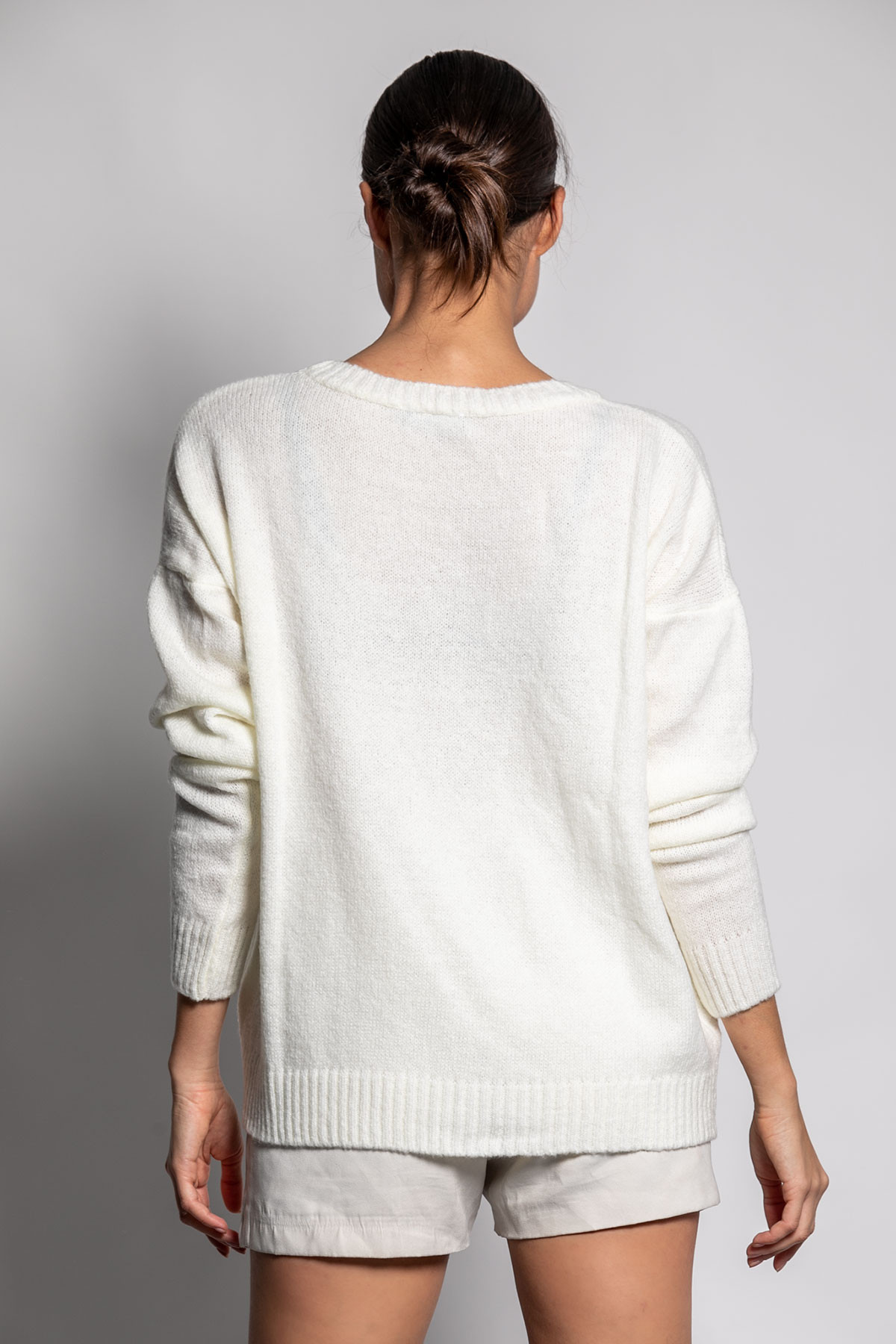 OFF WHITE ROUND NECK SWEATER