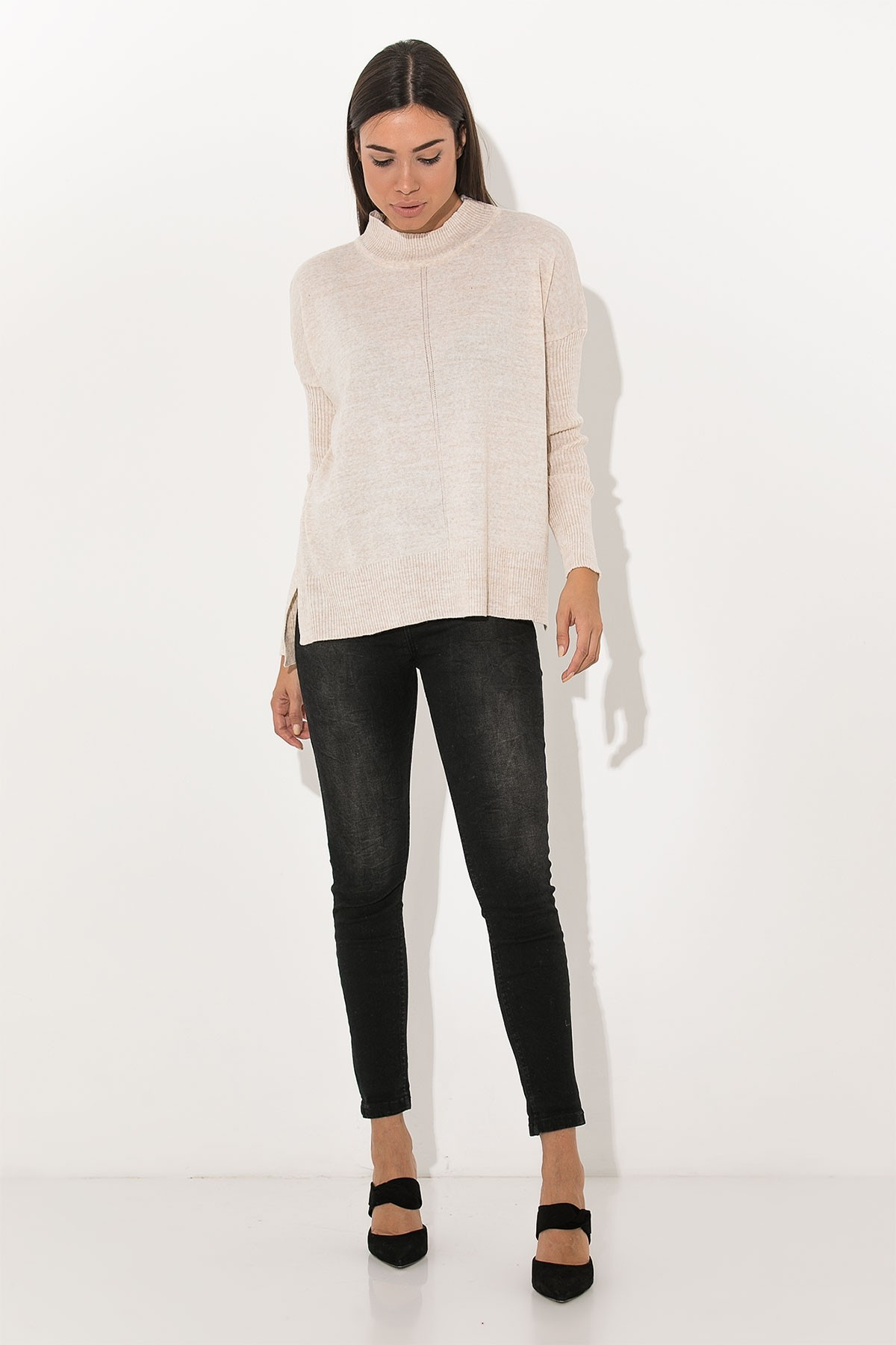 BEIGE BASIC KNIT TOP