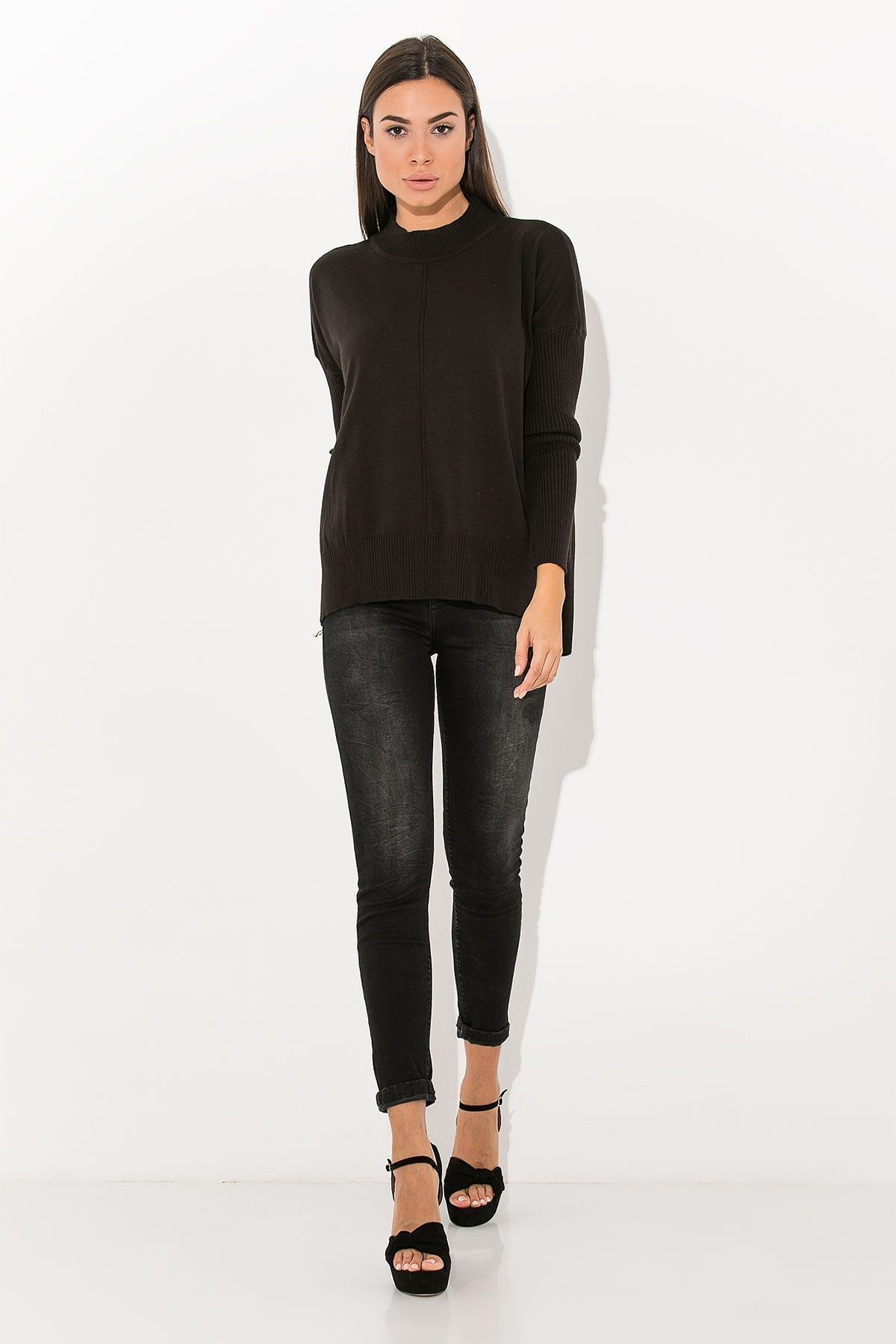 BLACK BASIC KNIT TOP