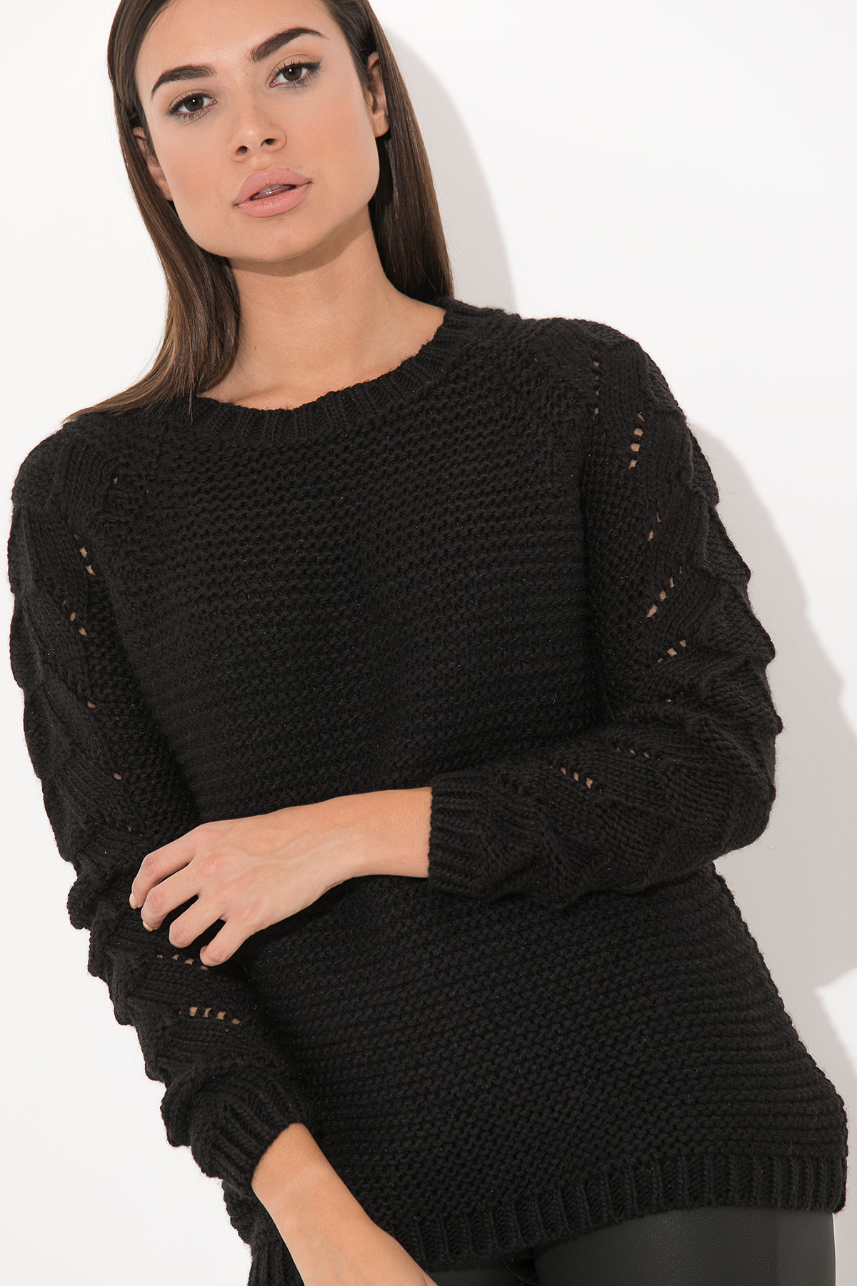 BLACK ROUND NECK KNITTED BLOUSE