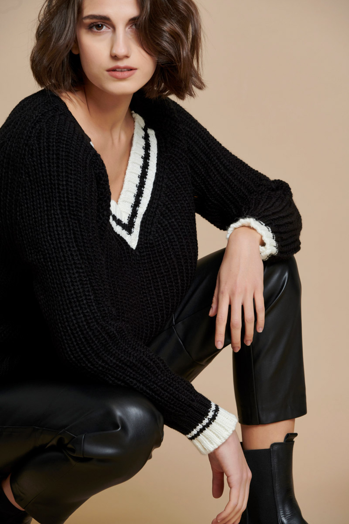 COLOUR BLOCK COLLEGE CHUNKY SWEATER BLACK