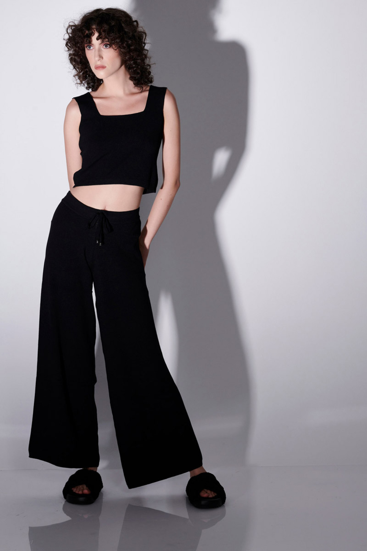 VISCOSE KNIT TROUSERS IN BLACK