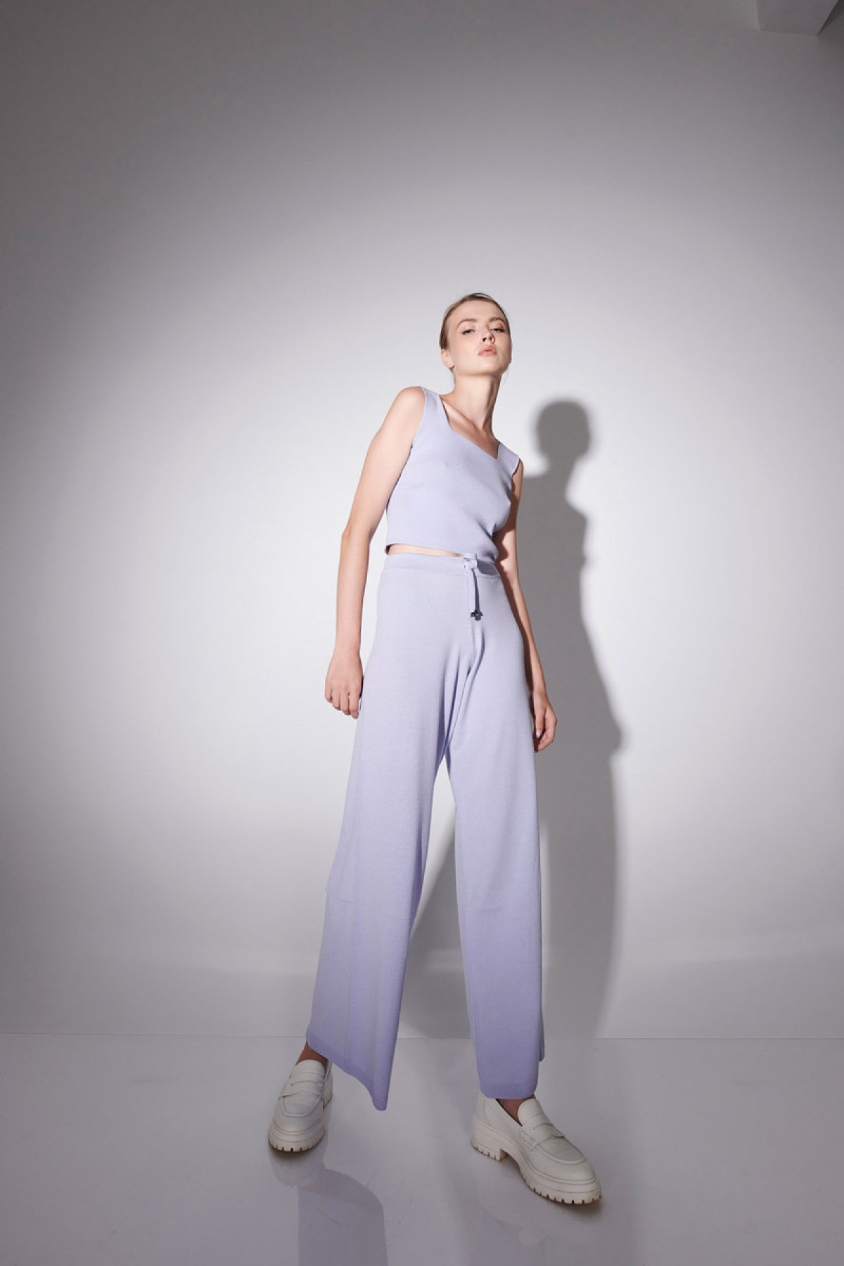 VISCOSE KNIT TROUSERS IN LAVENDER