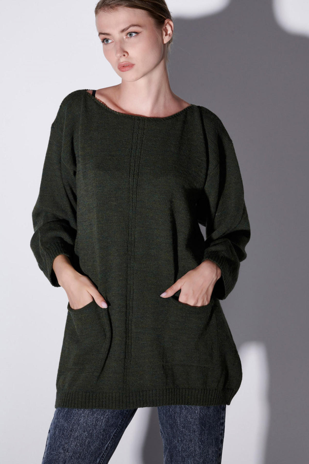 WOOL SWEATER WITH POCKETS IN OLIVE GREEN