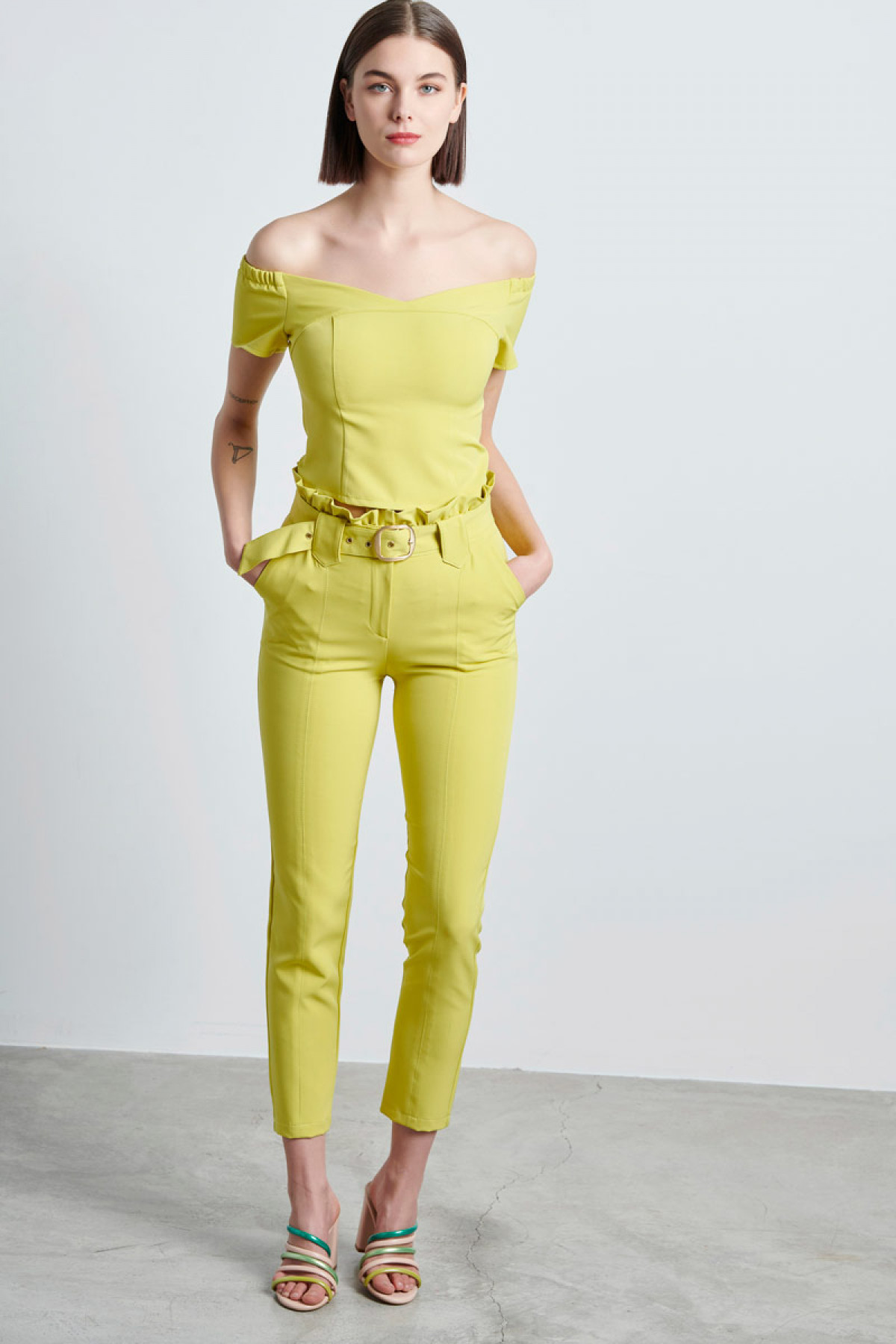 HIGH WAIST PAPERBAG TROUSERS IN LIME