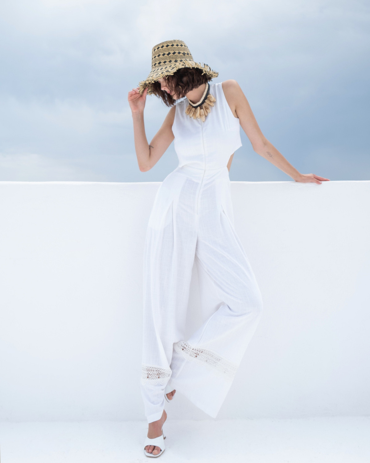 CUT OUT JUMPSUIT IN WHITE